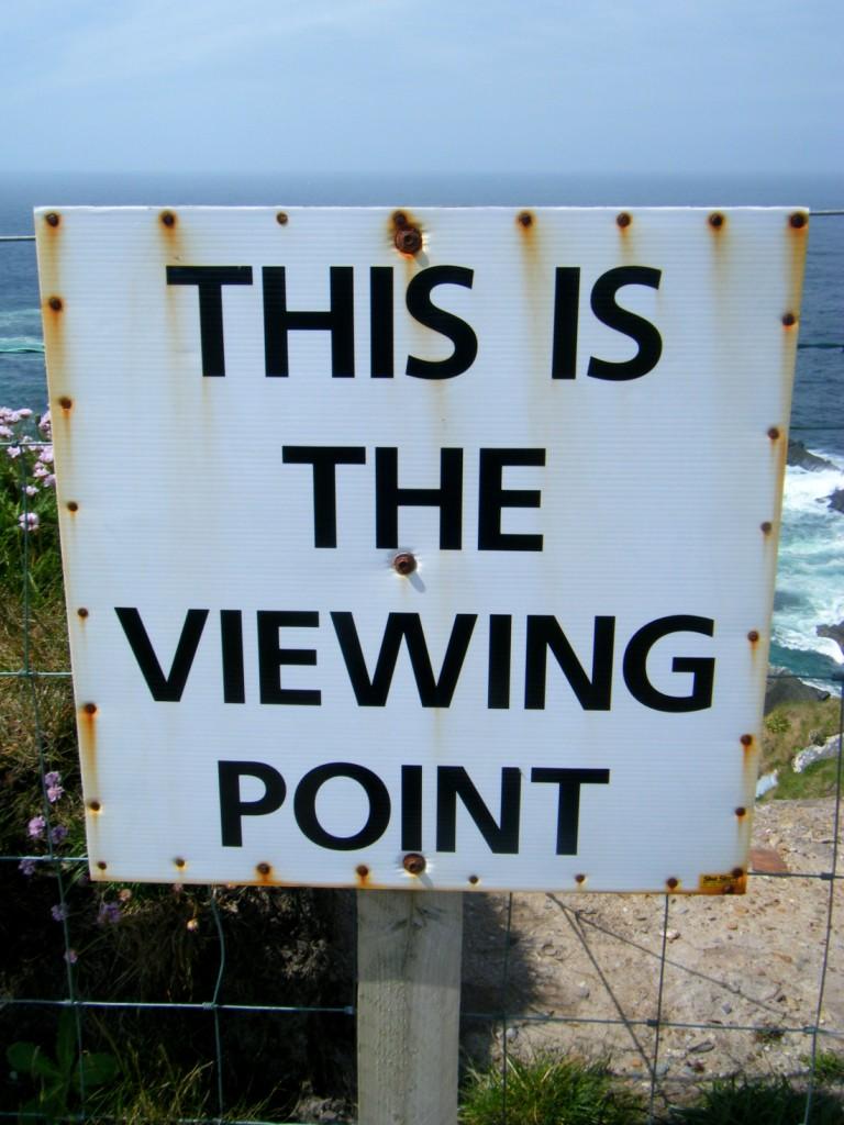 Cartello che indica un punto con vista panoramica in Irlanda