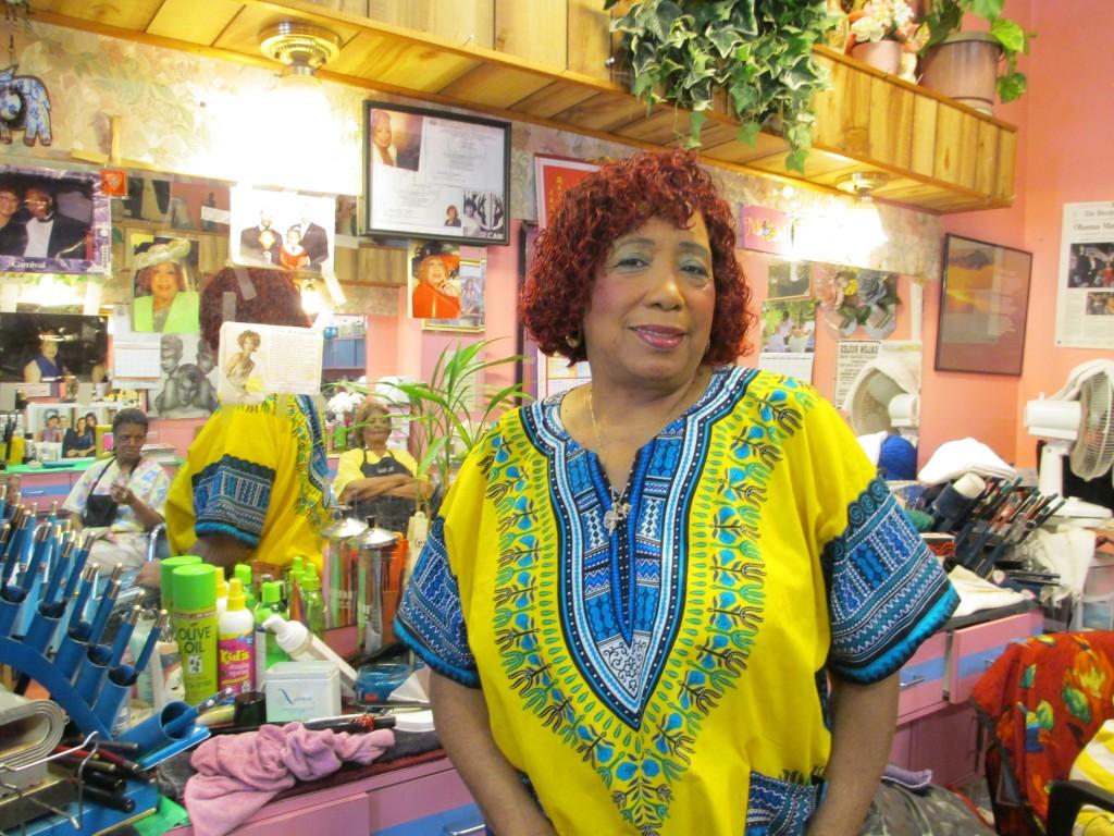 foto di una parrucchiera afroamericana a Washington DC