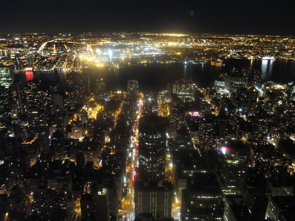 immagine notturna scattata dall'osservatorio dell'Empire State Building