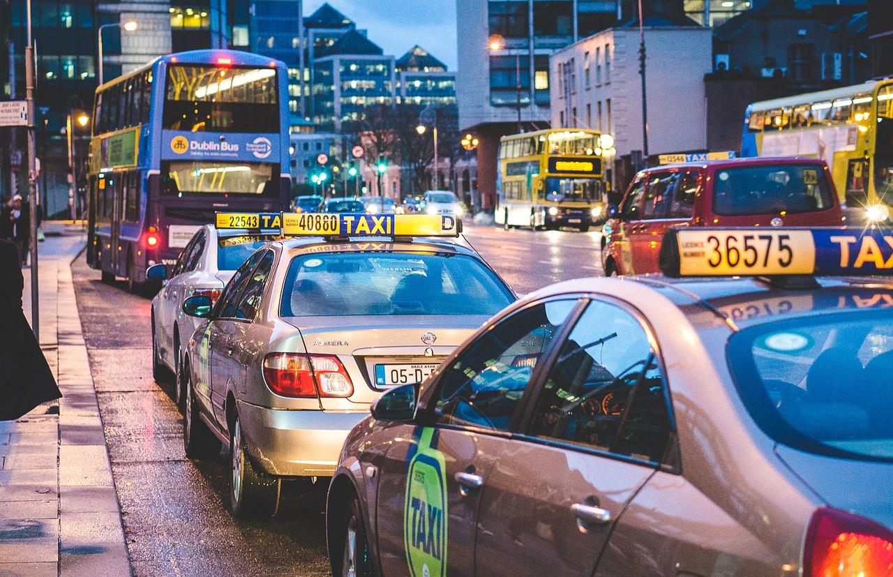 taxi e bus in centro a dublino