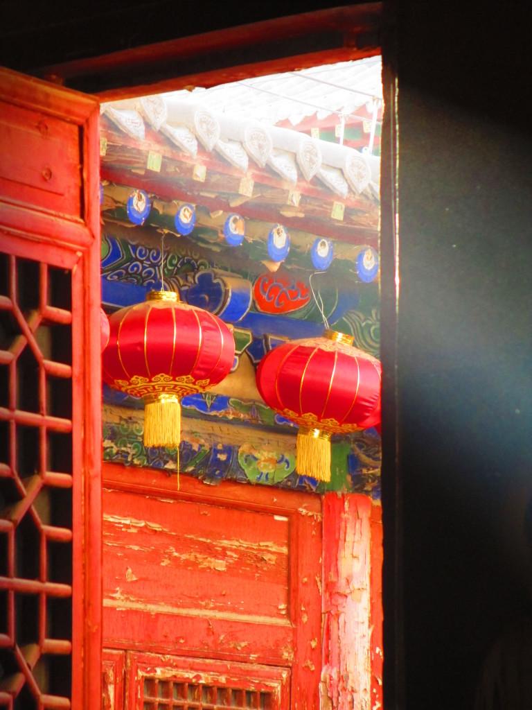 Lanterne rosse al Jiayuguan Fort nel Gansu, Cina