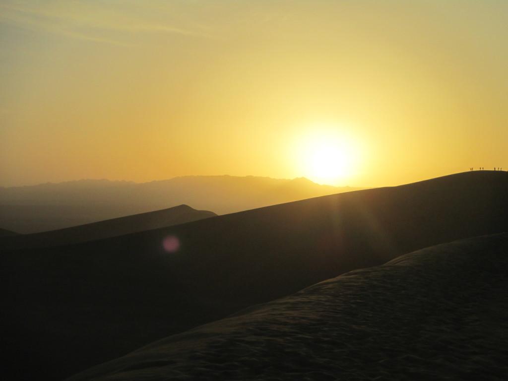 Alba nel deserto dei Gobi, Cina