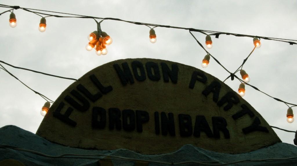 full moon party bar