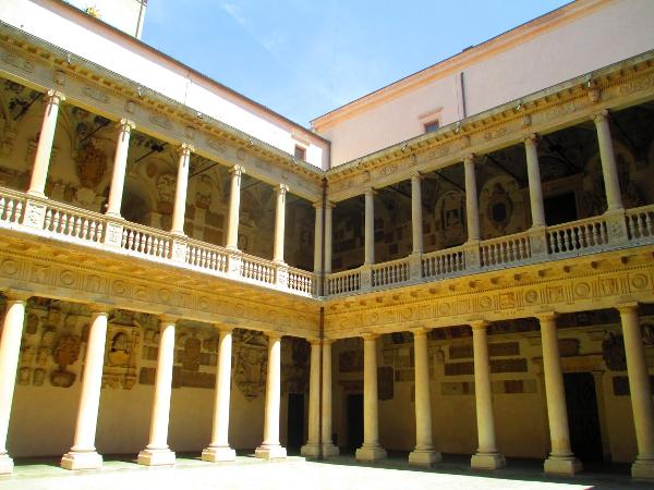 cortile antico di Palazzo Bò, Padova