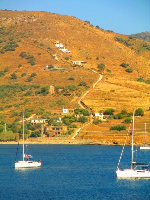 giornate in barca a vela, ancorati a Kea