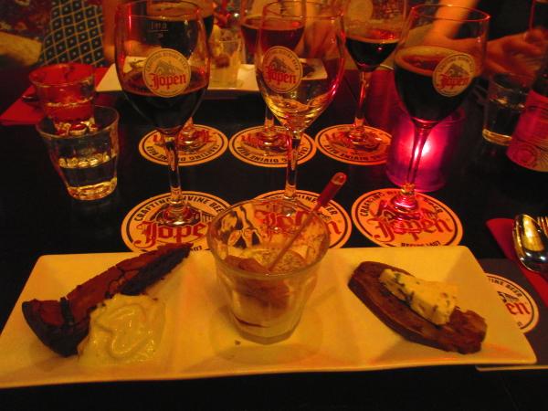 birra Jopen con dessert e formaggio