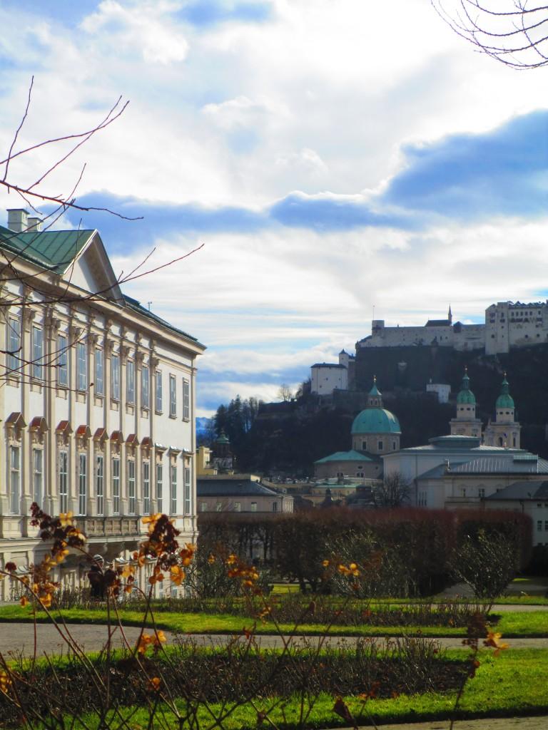 Salisburgo, castello di Mirabell (sinistra) e fortezza (destra)