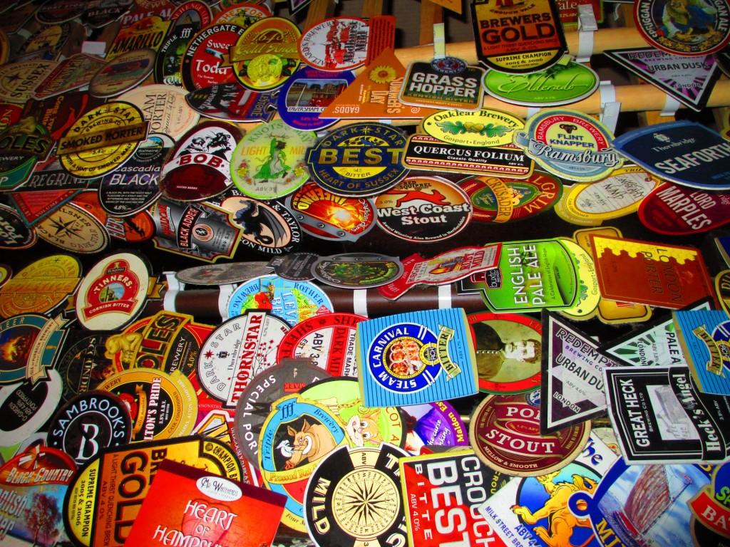 sottobicchieri per la birra in un pub di Londra