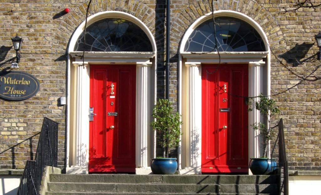 porte colorate di una casa georgiana a dublino