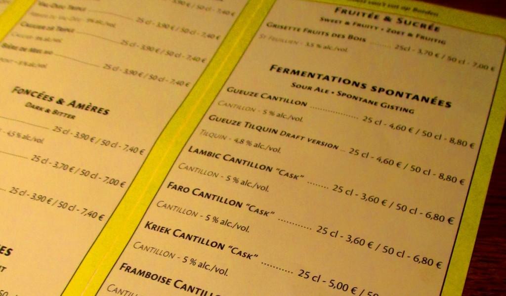listino delle birre al bar Moeder Lambic di Bruxelles