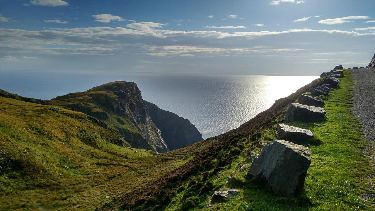 strada panoramica in Irlanda dell'ovest