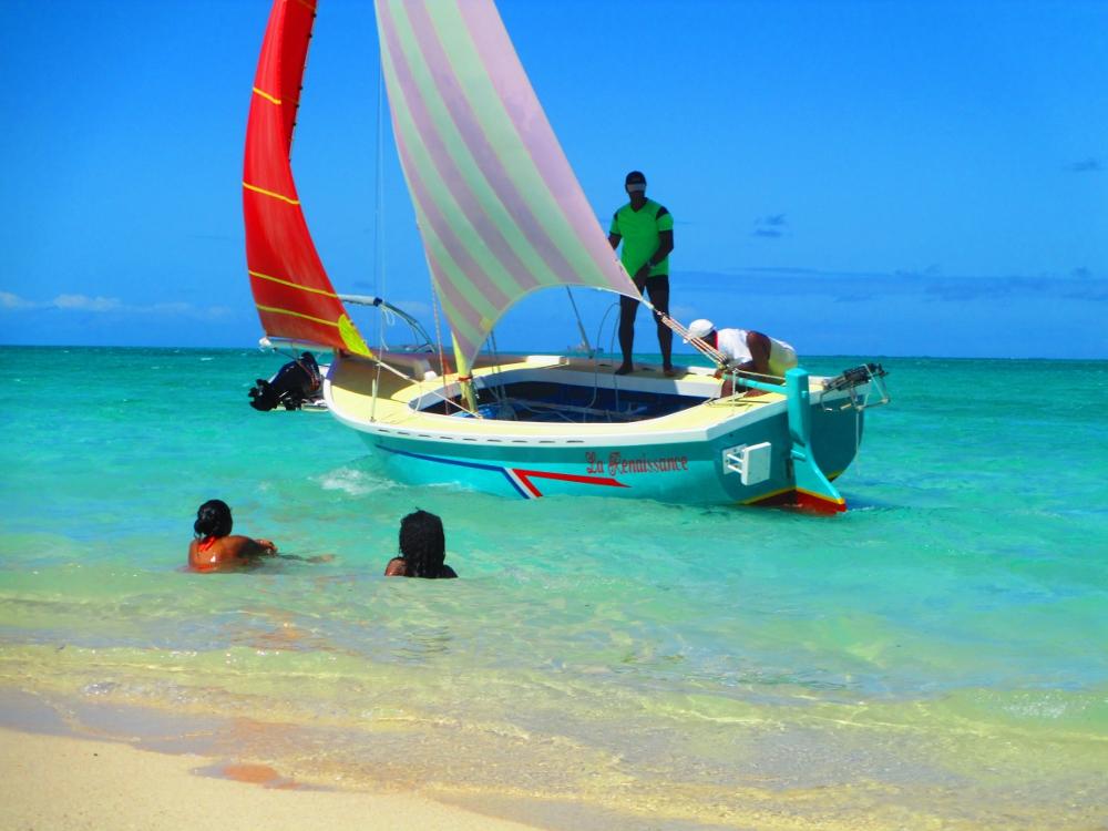barca a Mauritius, spiaggia di Pointe d'Esny