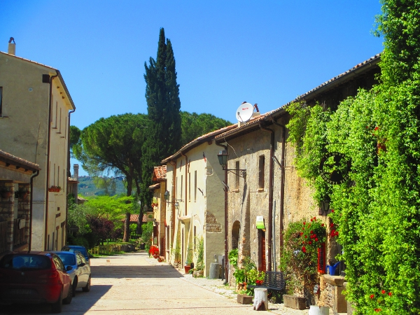 il paesino di Farfa, in provincia di Rieti