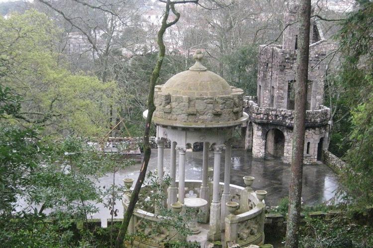 Giardini e villa Quinta do Regaleira a Sintra, Portogallo