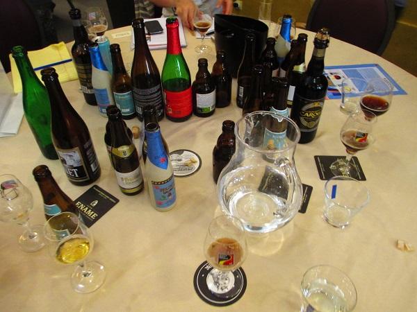 bicchieri birra vuoti