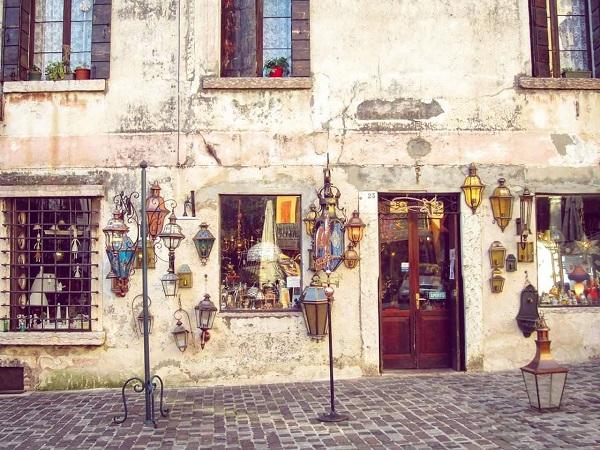 negozio antiquariato Bassano del Grappa