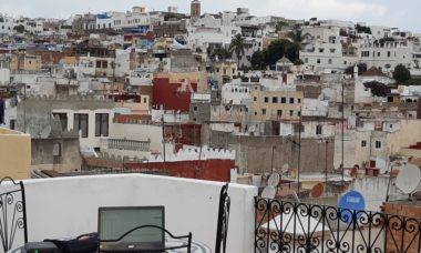 travel blogger a Tangeri, Marocco