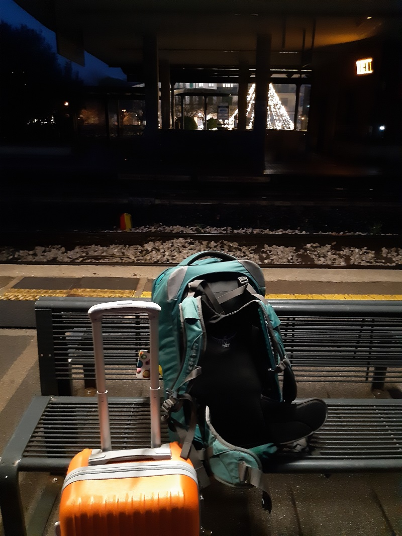 bagagli alla stazione