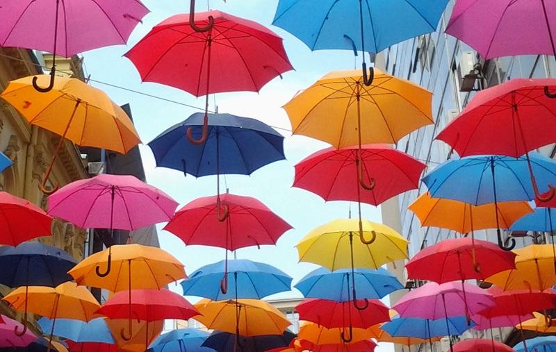 ombrelli in cielo